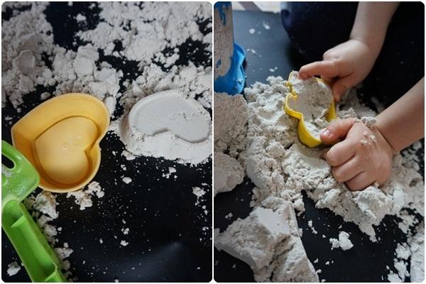 Zabawy domowe piasek