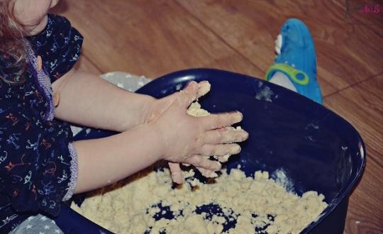 sensoryczne zabawy masa