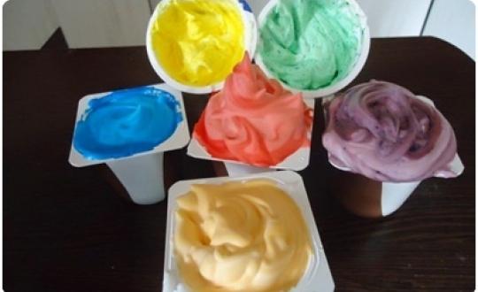 Zabawy domowe pianki farbki